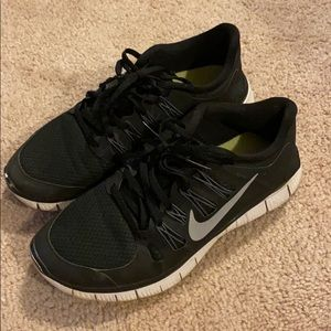 Nike Free Runs Black size 8